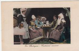 29 - En Bretagne - Costumes Anciens - Editeur: E.L.D - France