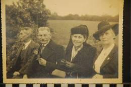 PHOTOGRAPHIE  FAMILLE  LANDERNEAU - Personnes Anonymes