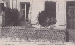 CPA 77 MEAUX ,un OBUS ALLEMAND Dans Un Maison ,rue Saint-Faron. En 1914. - Meaux