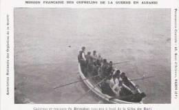 ALABANIE CADAVRES ET RECAPES DU BRINDISI RAMENES A BORD DE LA CITA DE BARI - Albanie