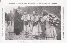 PRES D'ALESSIO (LEZHA) PAYSANNES ALBANAISES (BEAU PLAN ANIME) - Albanie