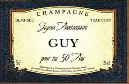 """Etiquette  Champagne    Elaboré Par Château-Malakoff - Joyeux Anniversaire """"GUY"""" Pour Tes 50 Ans - - Couples"""