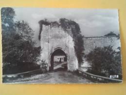 CHATEAU-SUR-EPTE   Porte Du Chateau Fort - Frankreich