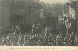 57 FORBACH ENTREE DES FRANCAIS LE 22/11/1918  LE DEFILE DES TROUPES DANS LES RUE DE LA VILLE - Forbach