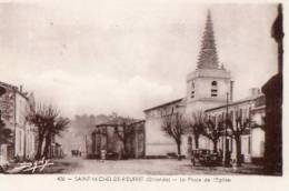 33 Saint-Michel-de-Rieufret - 426 - La Place De L'Eglise. - Frankrijk