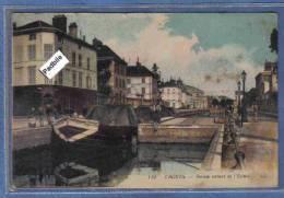 Carte Postale 10. Troyes Péniche Passant L'écluse Très Beau Plan - Troyes