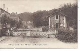 JOUY EN JOSAS - Rue D'Orléans - Le Passage à Niveau - Jouy En Josas