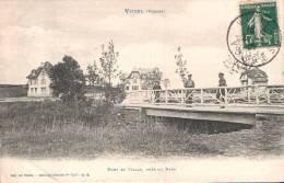 88 VITTEL PONT ET VILLAS PRES DU PARC ANIMEE CIRCULEE 1907 - Vittel Contrexeville