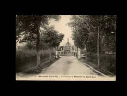 44 - CARQUEFOU - L'Avenue Et Le Monument Du Sacré-Coeur - 32 - Carquefou