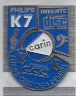 Pin´s  Puzzle, Marque, Musique, PHILIPS  Invente  K 7  Compact  Disc, CARIN - Musique