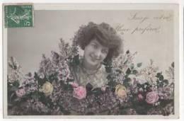 CPA Fantaisie - Femme, Portrait, Fleurs - Mujeres