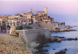 CPM - 06 - ANTIBES - La Vieille Ville Et Les Remparts, Le Soir (ELBE, 06617) - Antibes