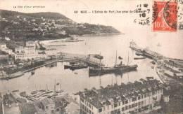 06 NICE L'ENTREE DU PORT VUE PRISE DU CHATEAU CIRCULEE 1910 - Unclassified