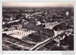 CPSM    LA  ROCHE  Sur  YON  (85)  INSTITUTION RICHELIEU - Coté Nord - La Roche Sur Yon