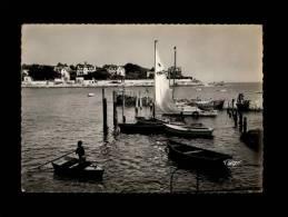 17 - SAINT-PALAIS-SUR-MER - Barques Sur Le Port - 380-15 - Saint-Palais-sur-Mer
