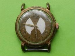 Montre Bracelet  Japur,HS-diam 32-probablement Plaquée Or Mais Usé - Montres Modernes