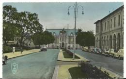 Afrique :  MADAGASCAR :  TANANARIVE : Le  Palais Du  Gouverneur   ( Voiture - Auto ) - Madagascar