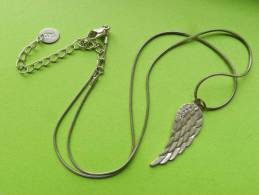 Fantaisie ,chaine Et Pendentif  -55 Cm - Pendants