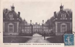 CPA 77  OZOUER-LA-FERRIERE ,le Château (animée) - France