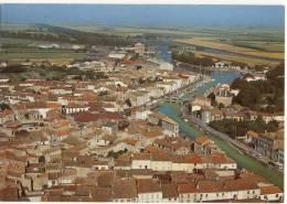 MARANS  - Le Canal Maritime Et Le Port     .. CPM - France