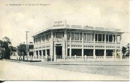 N°26390 -cpa Tamatave -la Banque De Madagascar - Banques