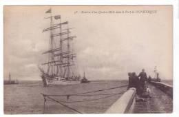 59 DUNKERQUE  Entree D'un Quatres Mats Dans Le Port Voilier Phare Pecheurs Chien - Dunkerque