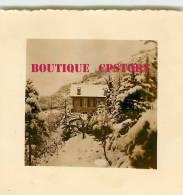 64 - TARDETS < Chateau De Navau Sous La Neige En 1956 < VOIR  DESCRIPTION < Photo 7cm X 7.5cm - Places