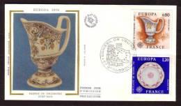 "Y/T N° 1877/78 Sur FDC Sur SOIE - Oblit  1 Ier J. : "" STRASBOURG - 8/5/76 "" - EUROPA 76 - Faïence Et Porcelaine. - FDC"