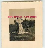 64 - TARDETS - La Croix De Pierre De Granit - Photo 7cm X 7.5cm - Dos Scané - Places