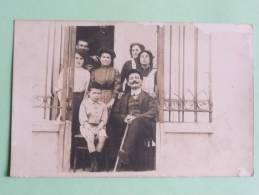 PHOTO DE FAMILLE - Photographs