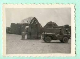 JEEP -  Photo Des Annees 1950 Prise Au Mali Devant La Stèle Du Monument Gallieni à Mapcarta - Photo 4.5 Cm X 5.5 Cm - Cars