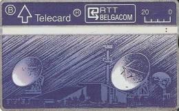 TARJETA DE BELGICA DE UNAS ANTENAS PARABOLICAS PARA SATELITES  (SATELLITE) - Astronomùia
