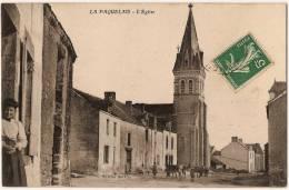 1196 - CPA  - LA PAQUELAIS 44 Loire Atlantique - L' Eglise - Gamins Et Vaches - Savenay