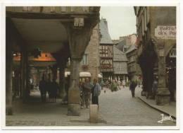- 22 - DINAN. - La Place Des Cordeliers - The Square Of Cordeliers - Der Cordeliers Platz - - Dinan