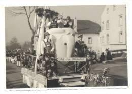 RAEREN ou environs - Photo carte d'un char de carnaval (Y14)b104