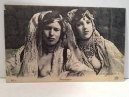 Jeunes Femmes Mauresques Demies Nues - Afrique Du Nord (Maghreb)