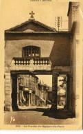 CPSM 69  GRIGNY LE PORCHE DE L EGLISE ET LA PLACE 1953 - Grigny
