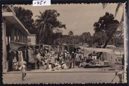 Madagascar - Mananjary : Marché; Vers 1957 ; Plis Aux Coins : Scan (-451) - Madagascar