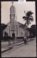 Madagascar - Mananjary : église - Voitures Années 50 ; Vers 1957 (-453) - Madagascar