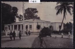 Madagascar - Mananjary La Bibliothèque Municipale, Vers 1957; Tache De Rose Au Verso : Scan (-464) - Madagascar