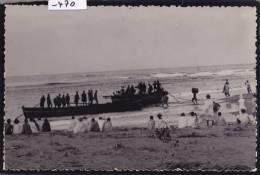 Madagascar -  Mananjary ; Bateaux Malgaches Au Bord Du Rivage, Vers 1956 (-470) - Madagascar