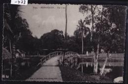 """Madagascar - Mananjary """"un Coin"""" - Pont De Bois (1957);  Trou D´épingle Milieu En Ht - Pli (scan) (-473) - Madagascar"""