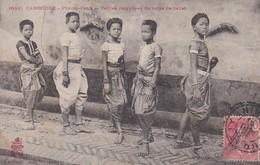 ASIE----CAMBODGE---PHOM-PENH----petites Coryphées Du Corps De Ballet--voir 2 Scans - Cambodia