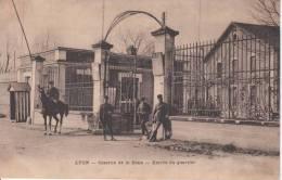 LYON. Caserne De La Doua. Entrée Du Quartier - Autres