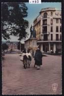 Madagascar - Tananarive : Promeneurs Sur La Place Colbert (1959) (-493) - Madagascar