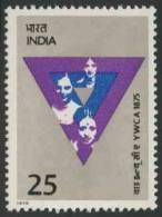 India Indien 1975 Mi 630 ** Young Woman + YWCA Badge – Cent. Of Indian YWCA / Christlicher Verein Junger Frauen (YWCA) - Beroemde Vrouwen
