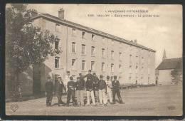 BELLE C.P.A - BILLOM -- Ecole Militaire - La Grande Cour - Francia