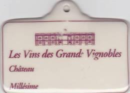 Etiquette Vins Grands Vignobles, Pour Cave Caviste, Céramique De Limoges. 7x9cm - Bordeaux