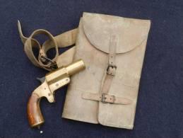 RARE ETUI CUIR  PISTOLET LANCE FUSEES mod�le 1918 .........#.2