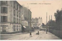 CPA 92 COLOMBES Rue De L´Indépendance Animation Commerces - Colombes